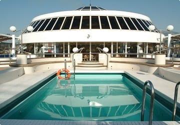 minoan_lines_cruise_europa_swimming_pool